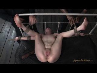 http://sexxx.cc/pub/prw_v/722/722959_iznasilovali_rabynyu_zhestko.jpg