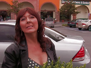 Hot readhead mom picked up at garden centre 5