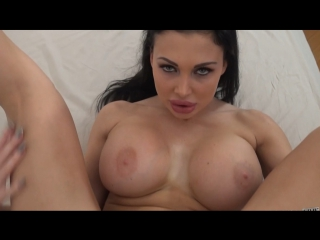 Anni bay lets us see that lovely muff of hers 4